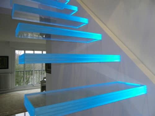 подсветка стеклянных ступеней