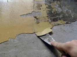 снятие старой краски шпателем