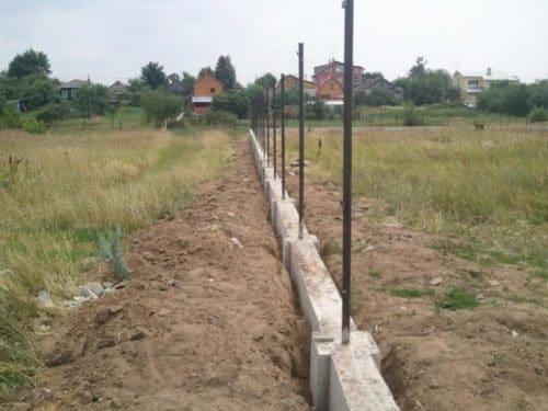готовый фундамент со столбами