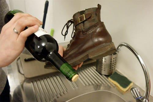 Как открыть вино без штопора в домашних условиях