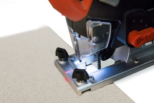 Как правильно работать с электрическим лобзиком — по дереву, металлу или ДСП
