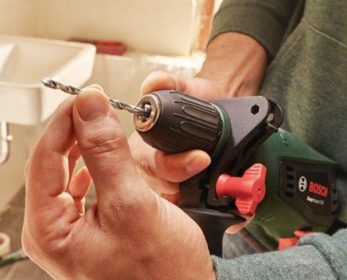 Как поставить и закрепить сверло в дрели