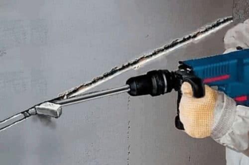Как проштробить стену под электропроводку с помощью перфоратора