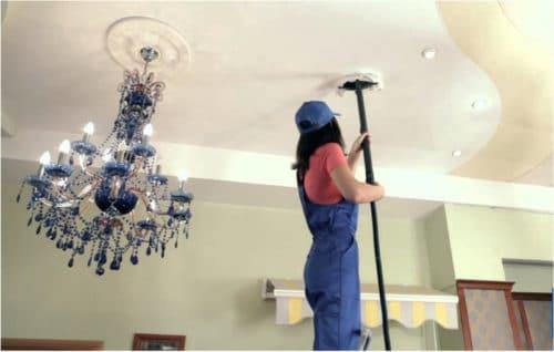 Как правильно помыть натяжной потолок без царапин, трещин и разводов