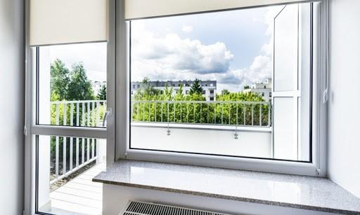 Какие окна лучше — пластиковые или деревянные?