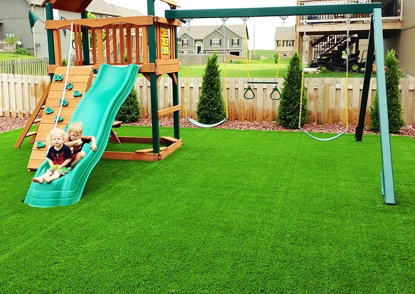 Газон для детской площадки