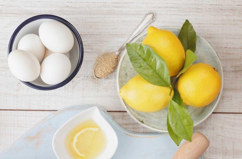 Смесь яйца с лимоном